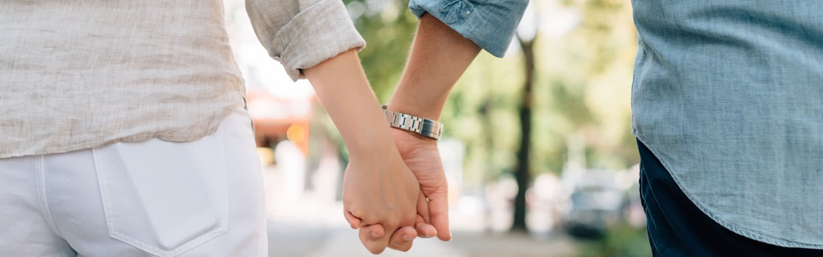 holding-hands-1149411